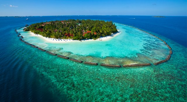 Luxury family-friendly resort Kurumba in Maldives