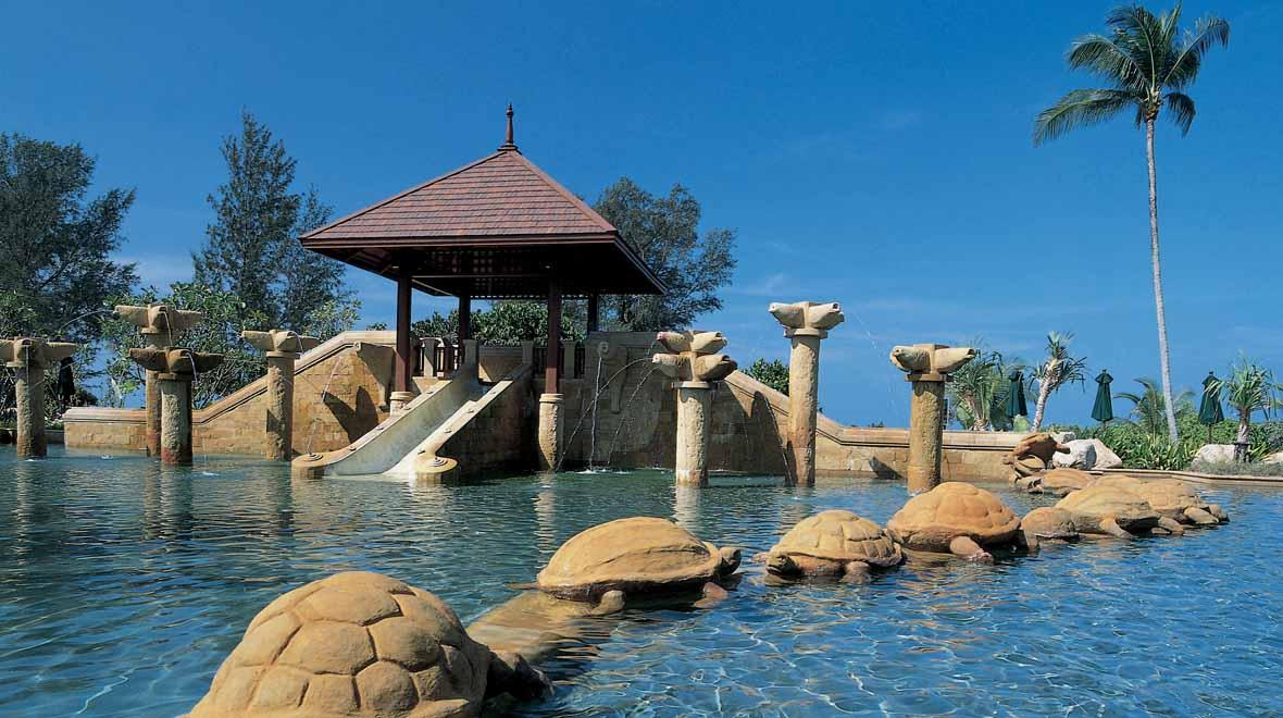 Luxury family friendly hotel jw marriott phuket - Child friendly hotels swimming pool ...