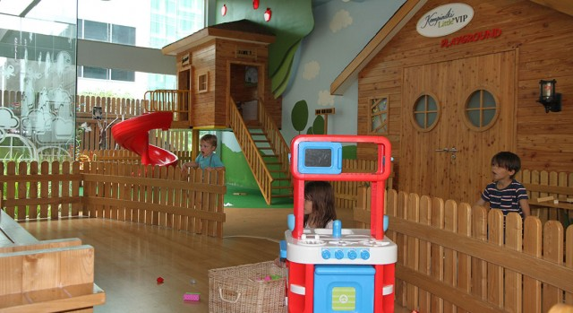 kids playing at the kids' club at hotel kempinski in Jakarta