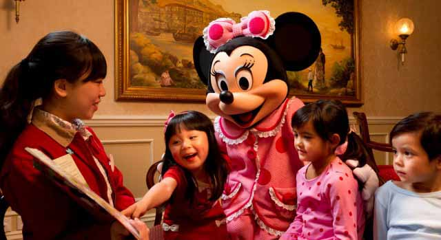 Bed time story reading with Mickey Mouse at Hotel Dsineyland Hong Kong
