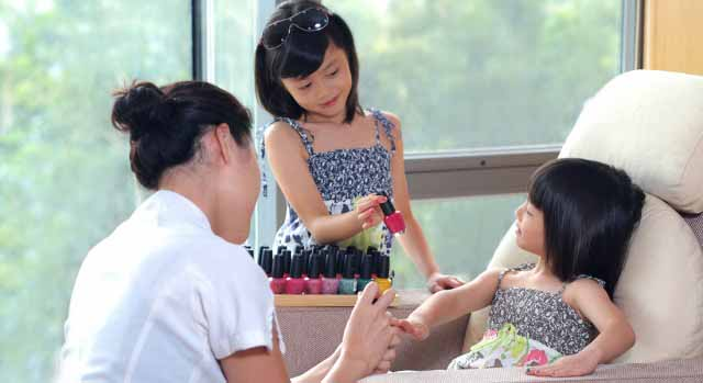 Spa treatments for kids at family-friendly hotel Hyatt Regency Hong Kong