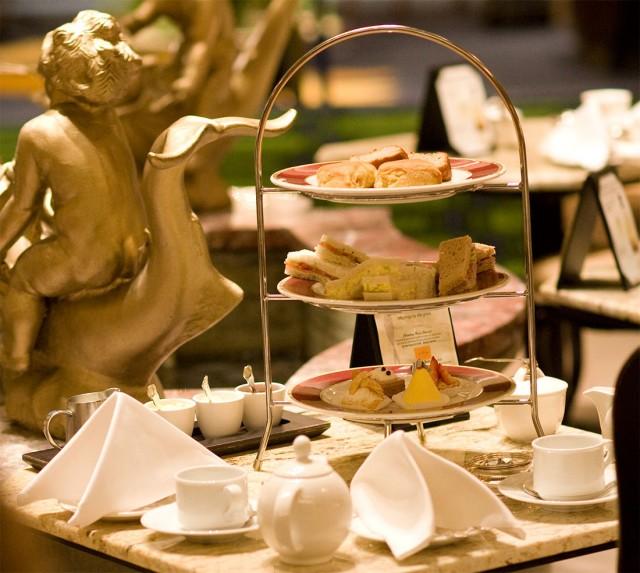 Drake-tea-set