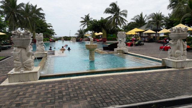 pool at family-friendly hotel Angsana Bintan