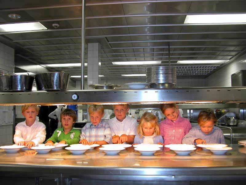 kitchen tours for kids at kid friendly hotel Brenners Park Baden-Baden Germany