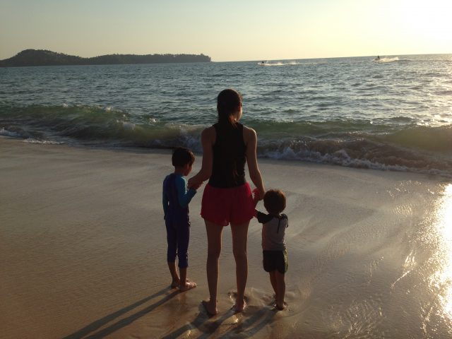 Angsana-Beach-with-kids