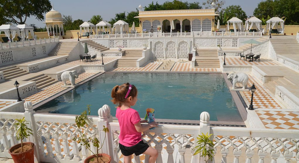 Pool at luxury family-friendly hotel Nahargarh Ranthambhore