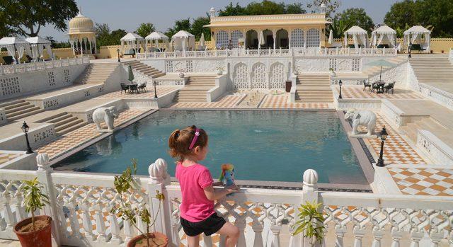 Pool at luxury family-friendly hotel Nahargarh Ranthambhore