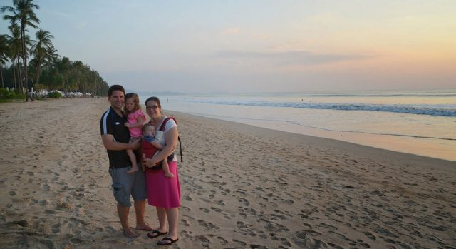 parents-on-beach