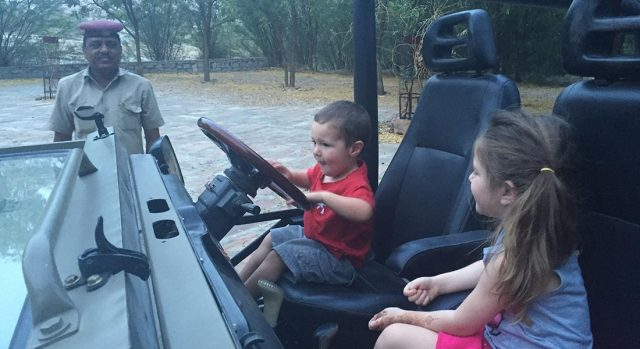 kids-driving-jeep
